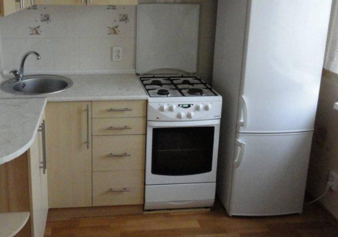 Можно ли ставить холодильник рядом с батареей отопления?: установка на каком расстоянии