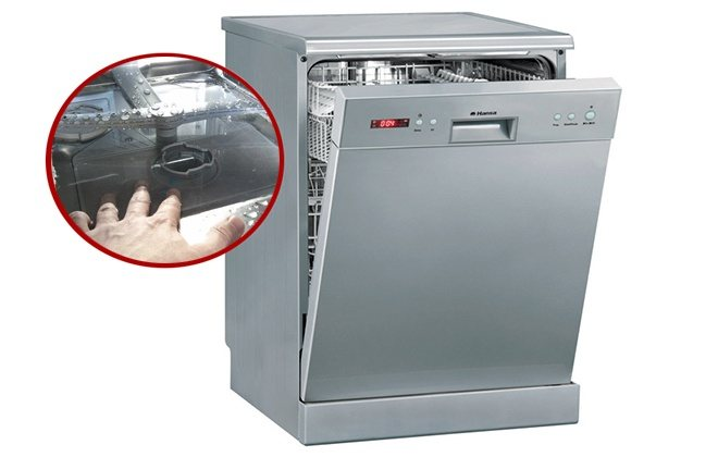 Посудомоечная машина не сливает воду: что делать?