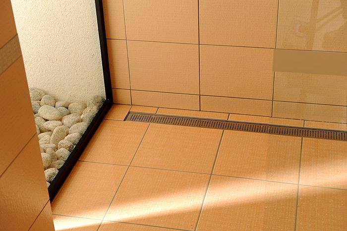 Трап для душа в полу под плитку: пошаговая схема установки 50 фото
