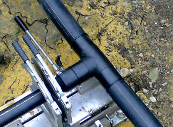 Описание процесса сварки труб из пластика собственноручно, технология монтажа соединения.