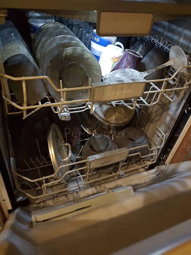 Почему посудомойка оставляет белый налет