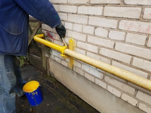 Как красить газовые трубы: видео-инструкция по покраске своими руками, кто должен покрасить, краска, фото и цена