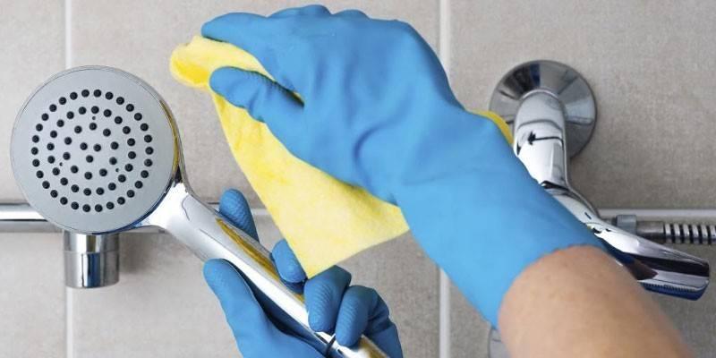 Чем и как мыть душевую кабину — обзор моющих средств