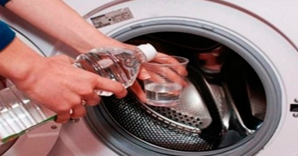 Очищаем стиральную машину от запаха и грязи