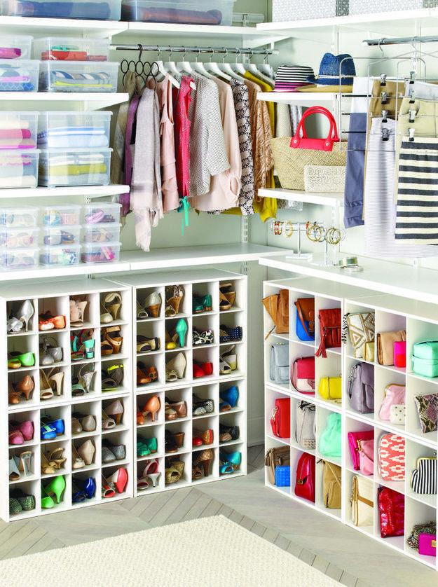 Организация вещей в шкафу для правильных домохозяек