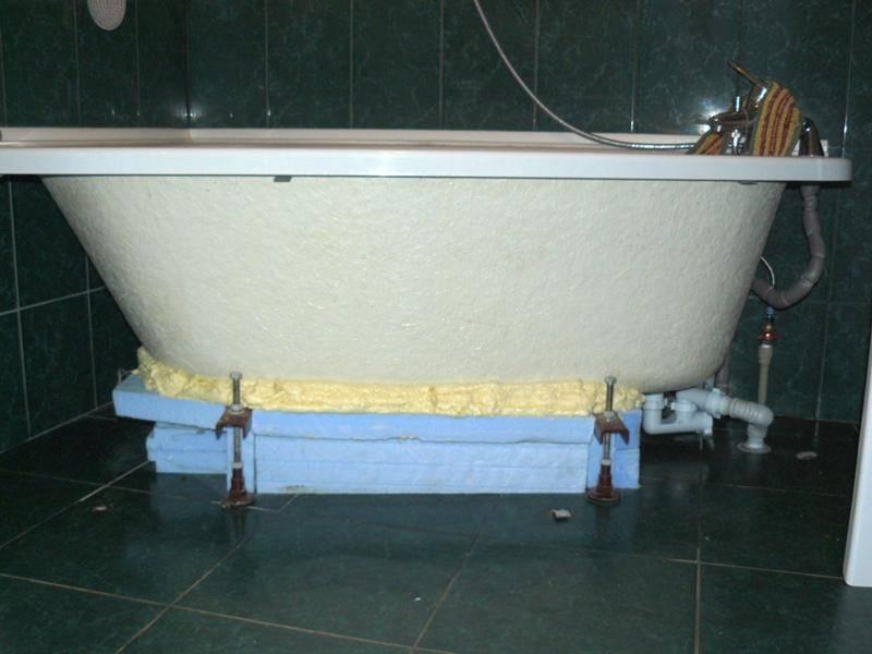 Как установить ванну на кирпичи и видео монтажа