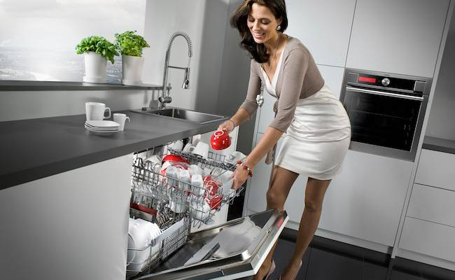 Какую посуду нельзя мыть в посудомоечной машине?