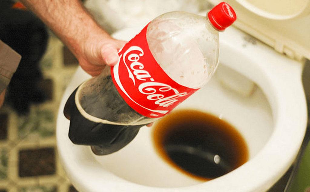Удивительное применение кока-колы в саду и дома