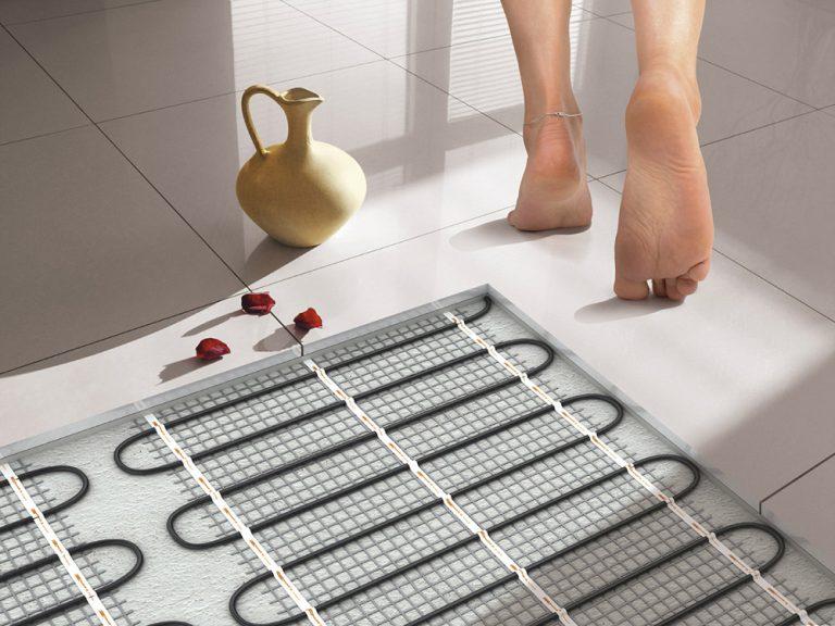 Какой лучше теплый пол - водяной или электрический: сравнение какой теплее пол