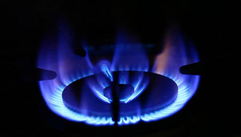 Почему газ на плите горит красным пламенем? температура пламени. почему огонь оранжевого или желтого цвета? регулировка конфорки