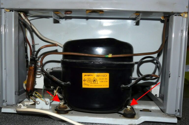 Почему постоянно работает и не отключается холодильник - что делать?