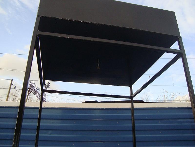Бак для летнего душа: металлический или пластиковый