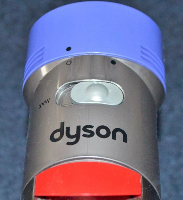 Обзор dyson v11 absolute: беспроводной пылесос с умной щеткой. cтатьи, тесты, обзоры