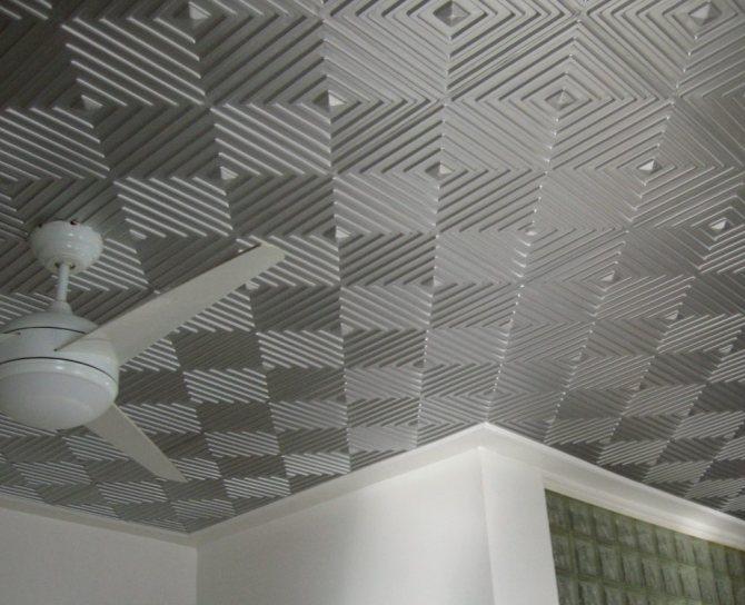 Как клеить бесшовную потолочную плитку без швов?
