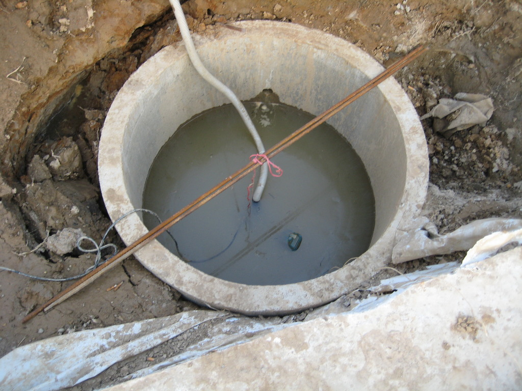 Выгребная яма из бетонных колец без дна - все о септиках