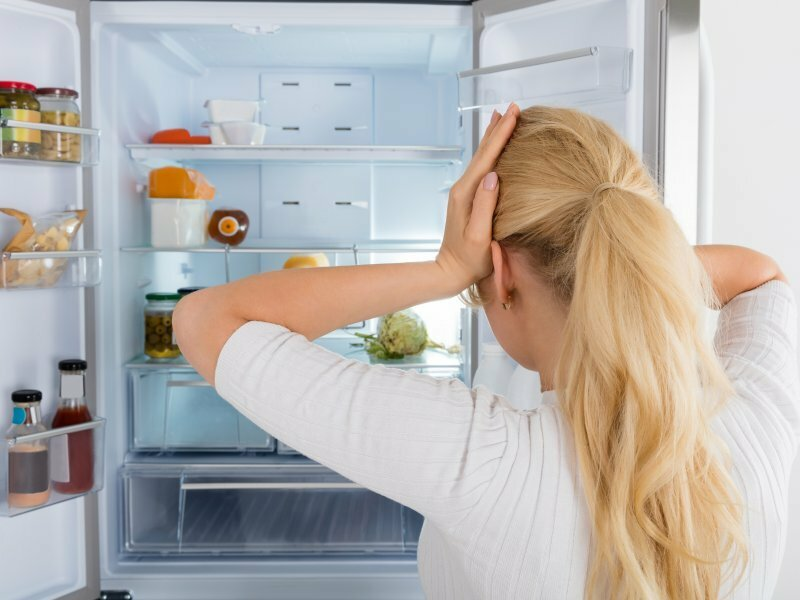 50 лучших средств и методов, как убрать неприятный запах из холодильника