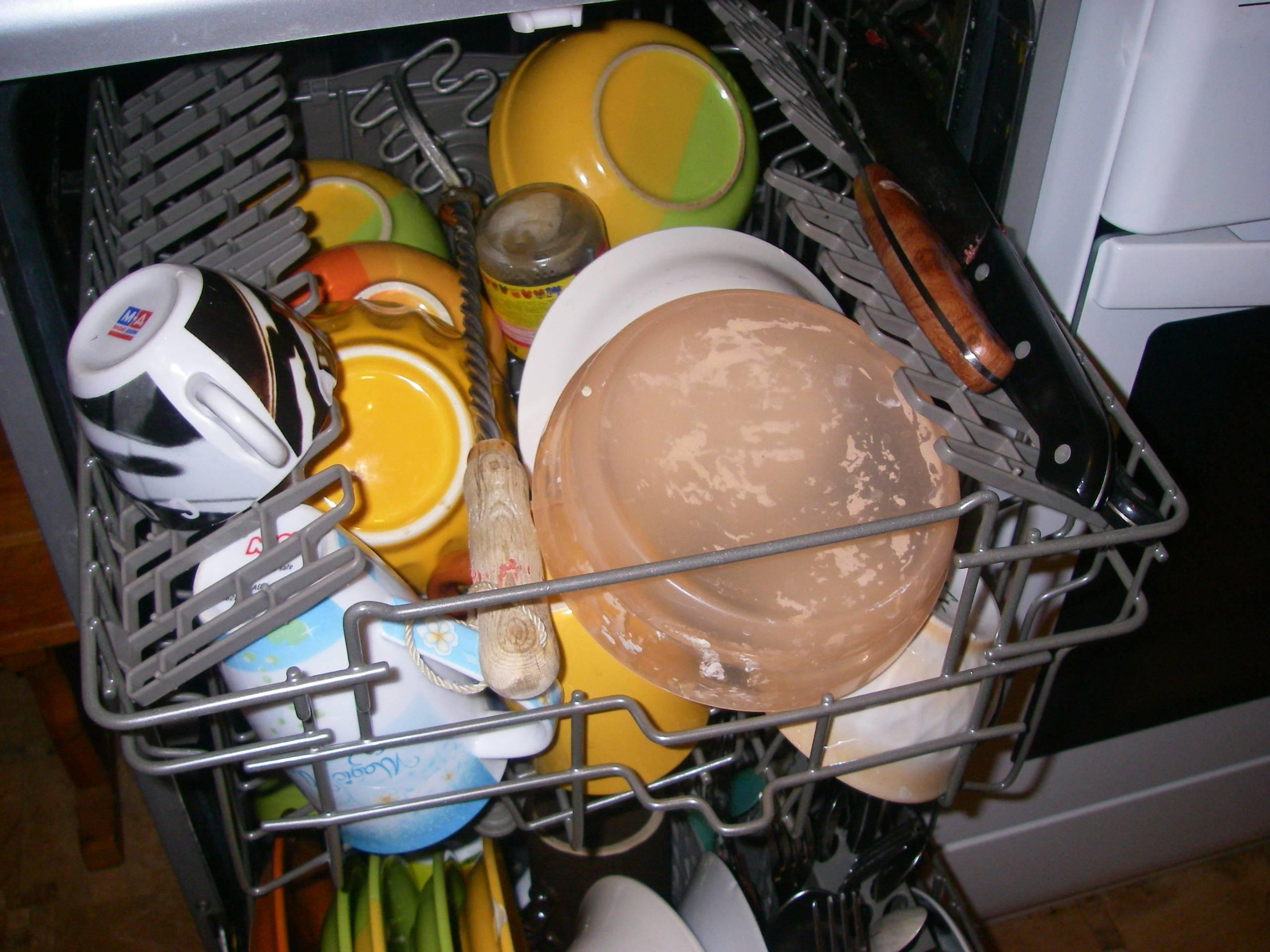 Список предметов, которые нельзя мыть в посудомоечной машине