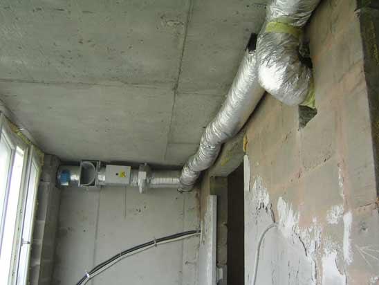 Вентиляция балкона или лоджии своими руками, вытяжка для воздухообмена