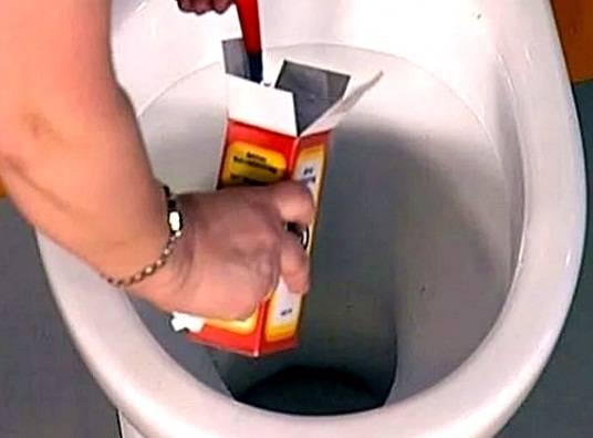 Как прочистить засор в унитазе в домашних условиях: советы с видео