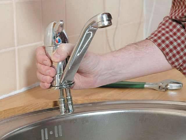 Установка смесителя на кухне за 5 шагов (с фото и видео)