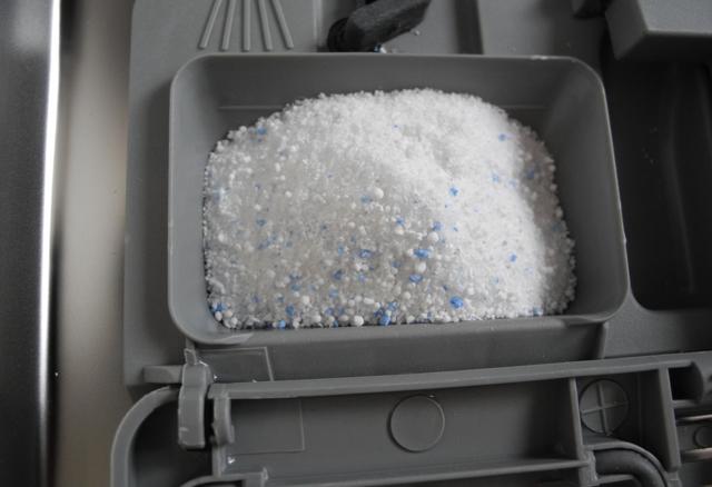 Какие средства купить для посудомоечной машины — познаем вопрос