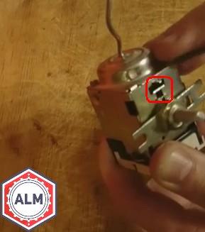 Как отрегулировать термостат на холодильнике?