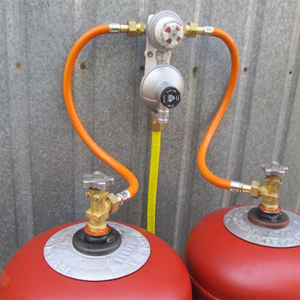 Гребенка для газовых баллонов. газовые коллекторы для баллонов