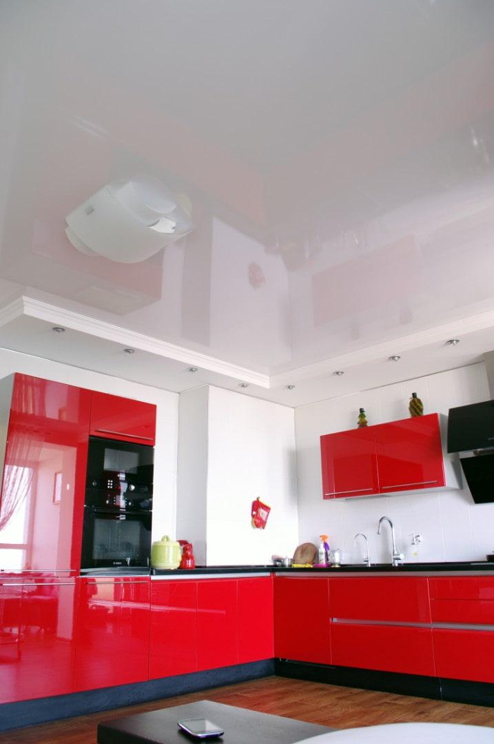 Дизайн потолка на кухне: 75 фото, материалы, цвет, стили