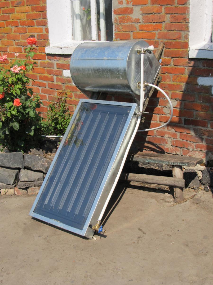 Солнечный коллектор для нагрева воды своими руками - делаем из подручных материалов