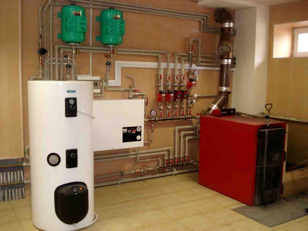 Система отопления коттеджа: правила устройства и технологии монтажа