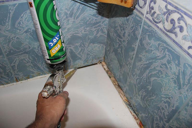 Гидроизоляционная бордюрная лента для ванной - как правильно приклеить