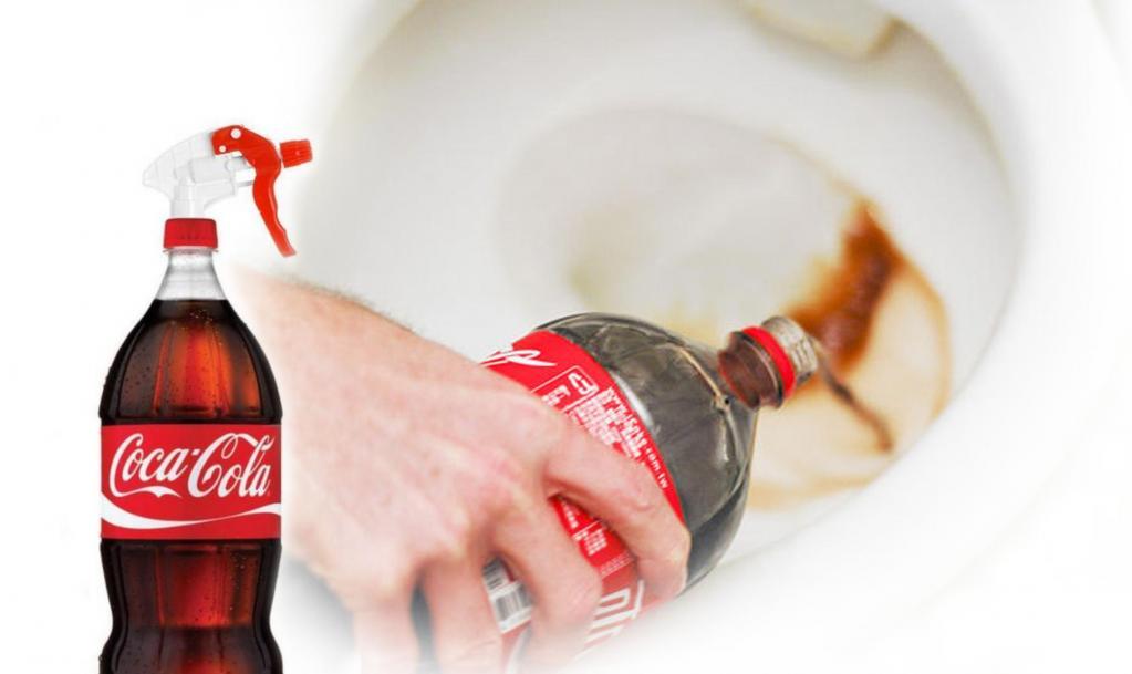 Как очистить унитаз при помощи кока-колы
