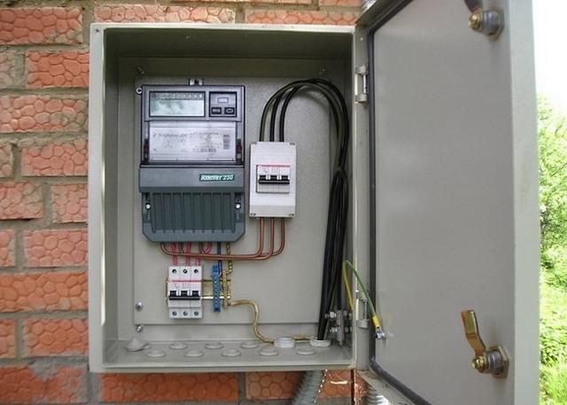 Бокс для электрических автоматов, установка и сборка электросчётчика
