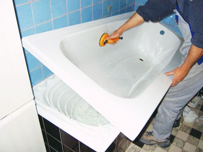 Что лучше — наливная ванна или акриловый вкладыш? выбираем способ восстановления ванны