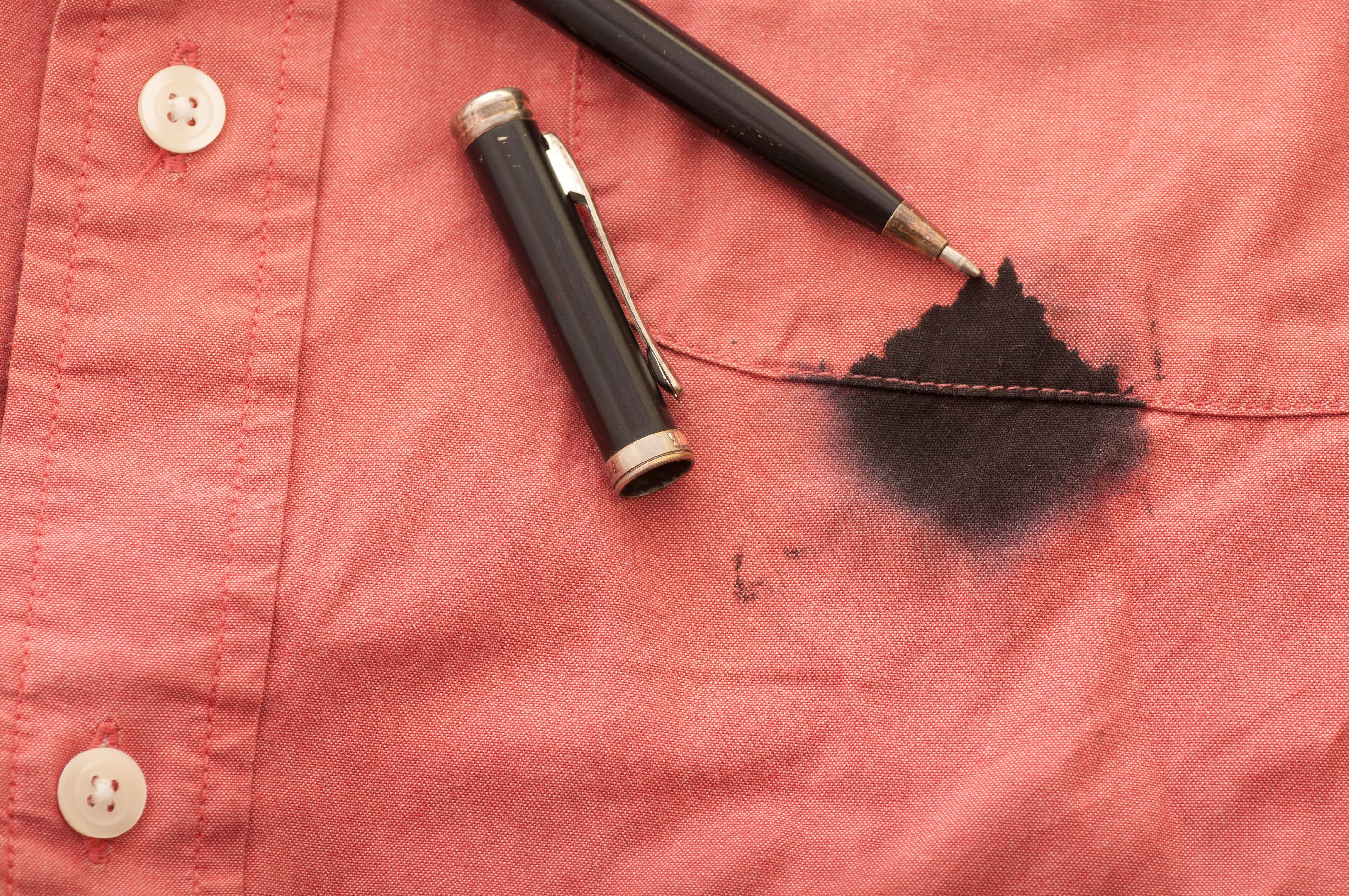 Как отстирать ручку – быстрые способы убрать следы от чернил