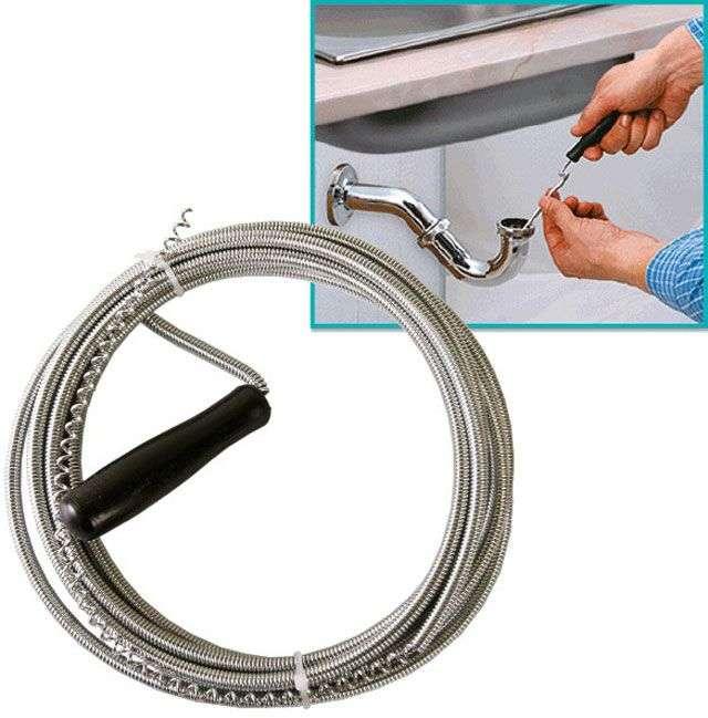 Прочистка канализационных труб: как выбрать трос для устранения засора