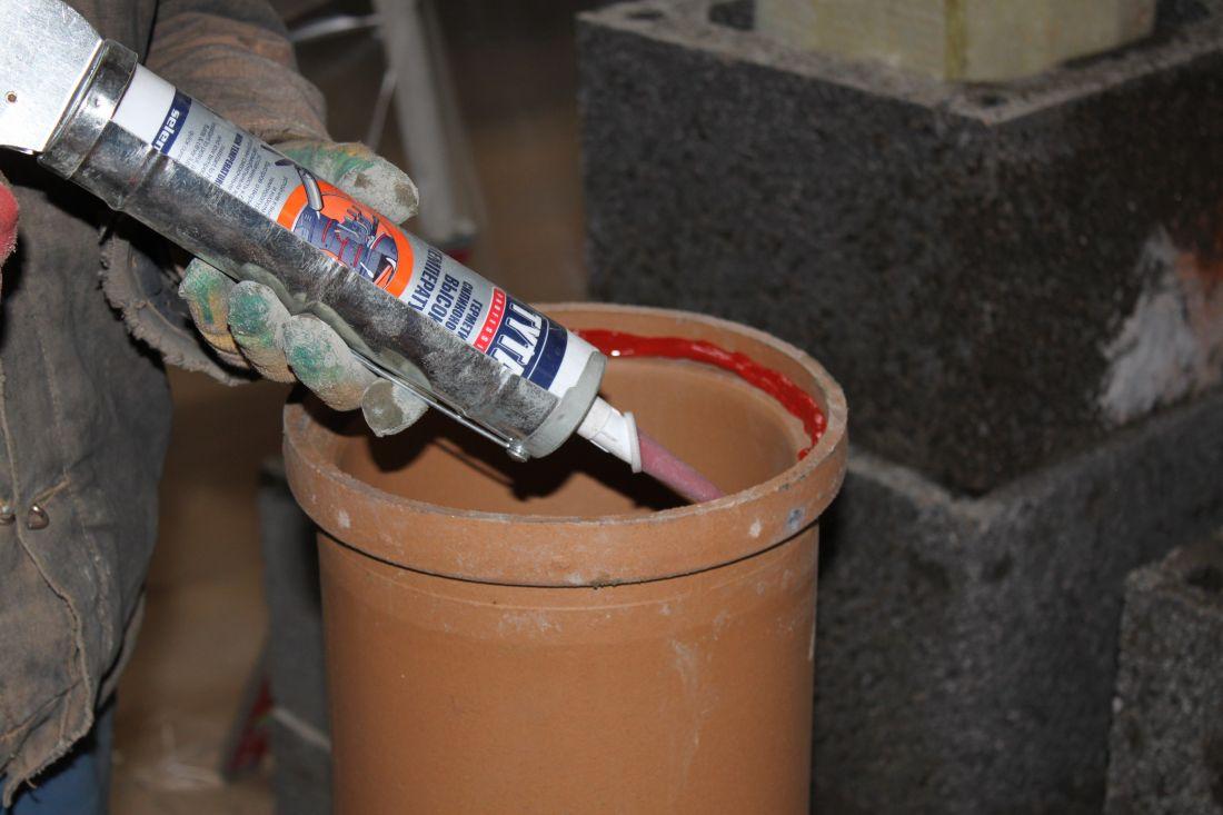 Герметик для канализационных труб разновидности, применение, инструкция по использованию, материалы