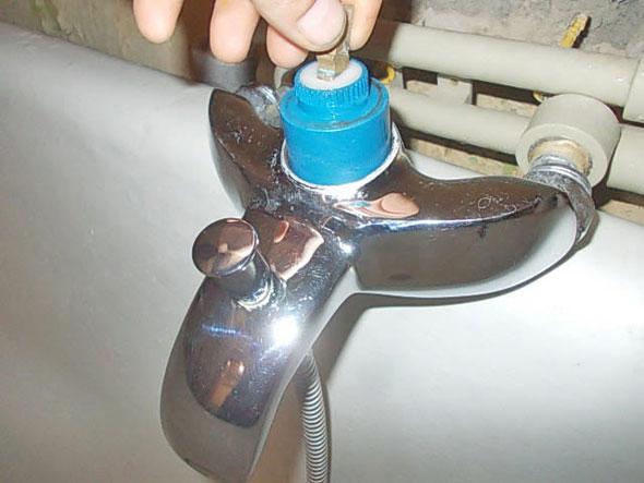 Как починить кран, если он капает - причины протечки, способы решения проблемы!