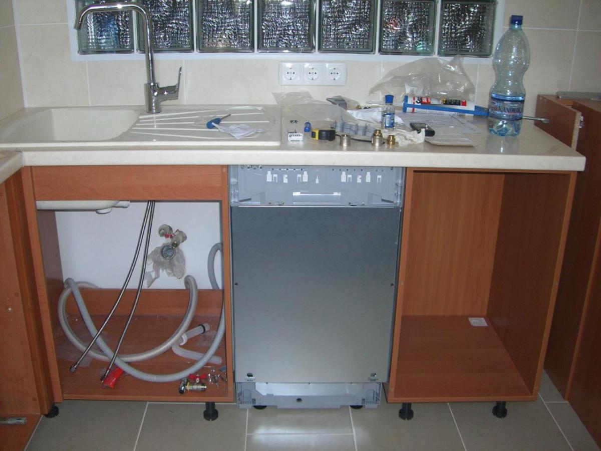 Как встроить посудомоечную машину в готовую кухню — варианты порядок выполнения работ