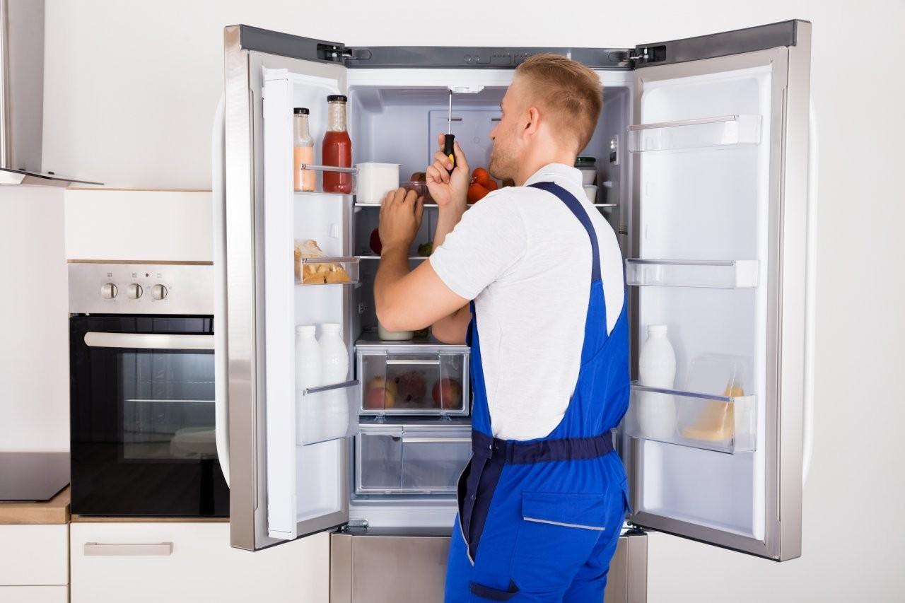Холодильник либхер не морозит