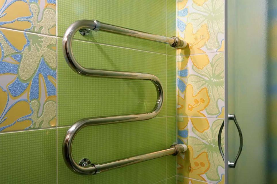 Как поменять полотенцесушитель в ванной своими руками