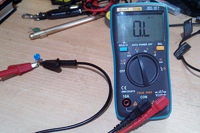 Как проверить конденсатор мультиметром не выпаивая - порядок проверки