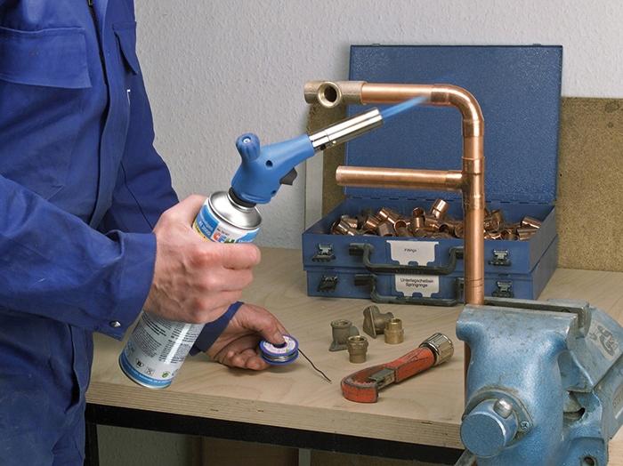 Пайка медных труб мягким и твердым припоем с применением газовой горелки