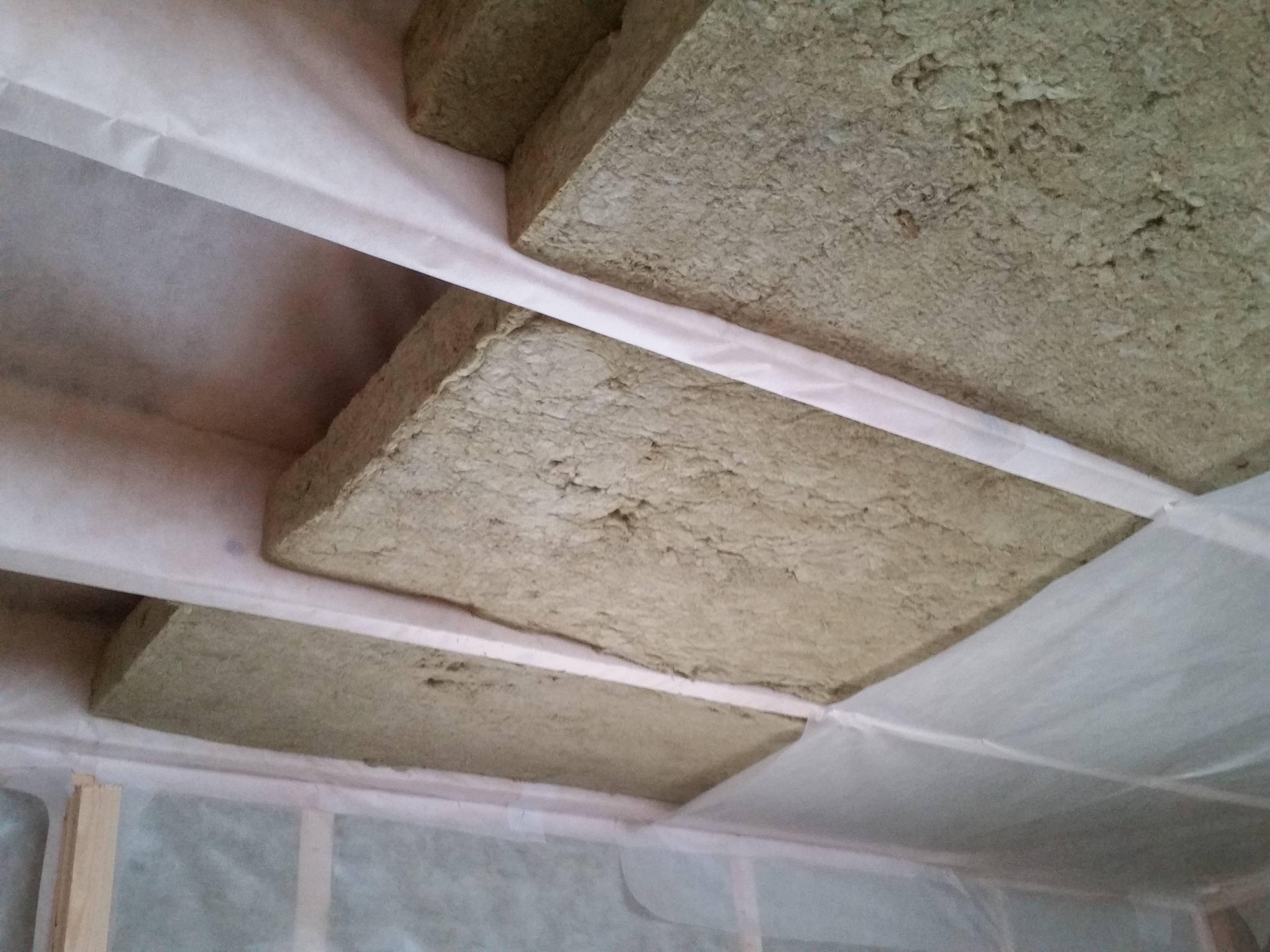 Минеральная вата для утепления потолка