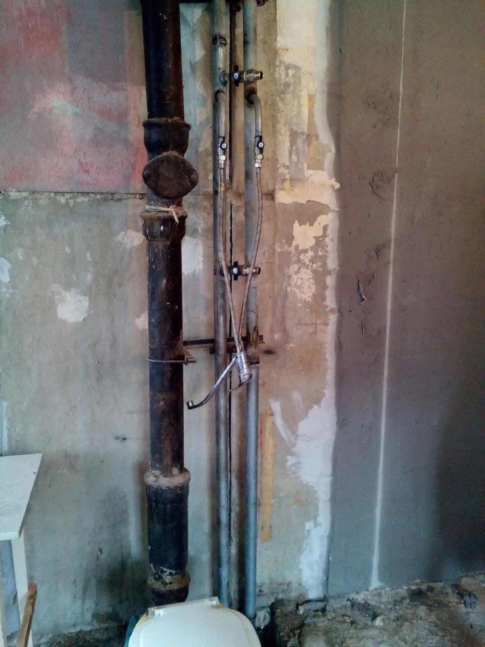 Подмес горячей воды в холодную: что это такое, причины, может ли быть у соседей по стояку, действия при появлении и профилактические меры