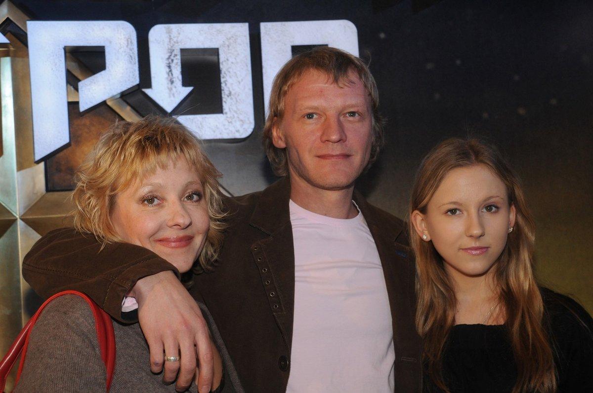 Серебряков уехал из россии со скандалом
