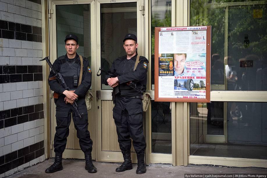 Где живет алексей навальный: скромное жилье известного оппозиционера