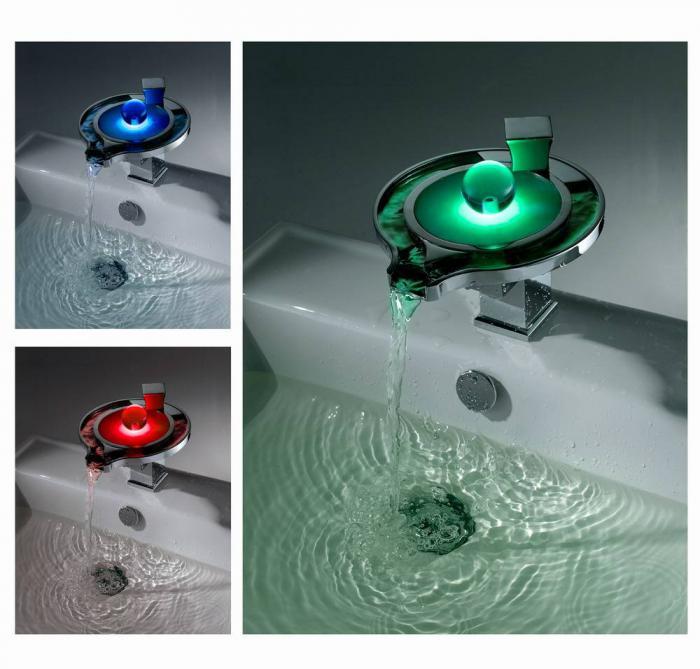 Ванная с окном: 75 фото применения и рекомендации по выбору форм и размеров