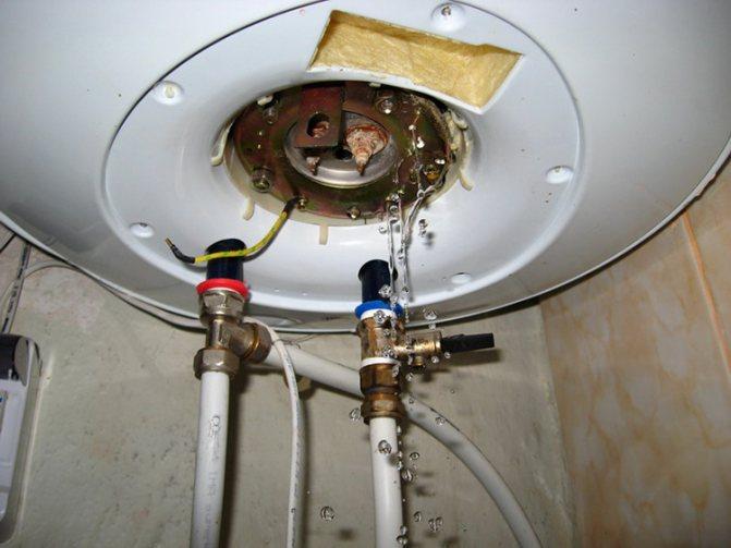 Как слить воду с водонагревателя?