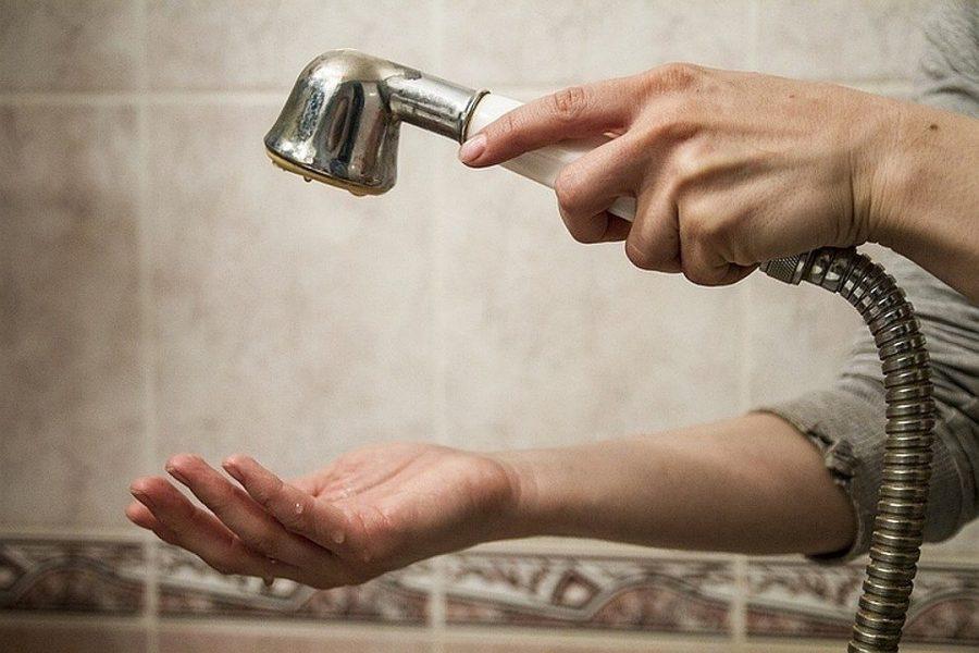 На сколько могут отключить горячую воду по закону: на какой срок допустимо по нормативам 2020 года ограничить подачу гвс в зимний и летний период